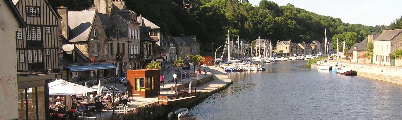 port Ville médiévale Dinan Côtes d'Armor Bretagne tourisme