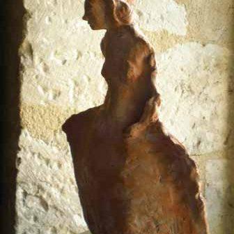 sculpture terre cuite artiste art créateur ville Dinan côtes-d'armor tourisme bretagne