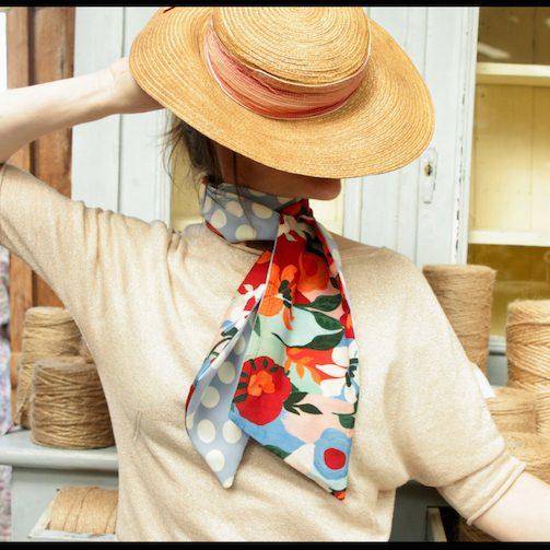 foulard fleurs Tartine de laine artiste artisan d'art créateur ville Dinan côtes-d'armor tourisme bretagne