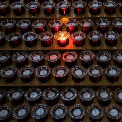 photo de bougies allumées